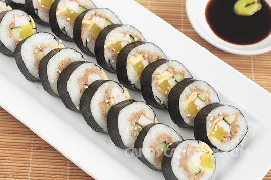 Món ăn ngon mắt - Cơm cuốn rong biển Hàn Quốc (Tuna Kimbab)