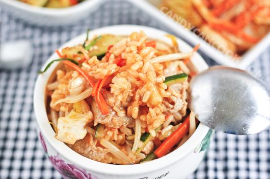 Cuối tuần ở nhà ăn cơm trộn Hàn Quốc thật ngon :D