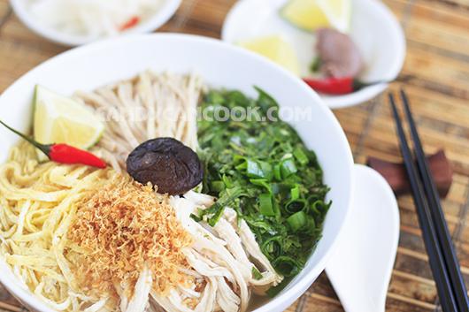 Chúc cả nhà ngon miệng với món Bún Thang Hà Nội nhé :X