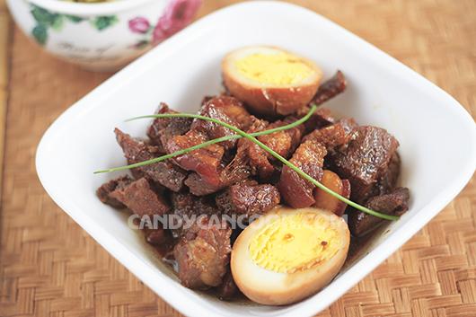 Thịt kho trứng ngon cơm mà ấm áp hương vị quê hương