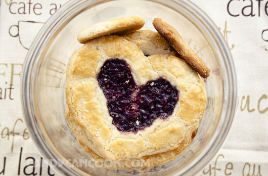 Bánh quy bơ mứt raspberry - Raspberry butter cookies