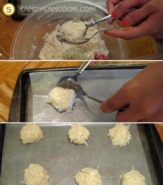 Dùng 2 thìa để múc bột tạo hình bánh thật đều