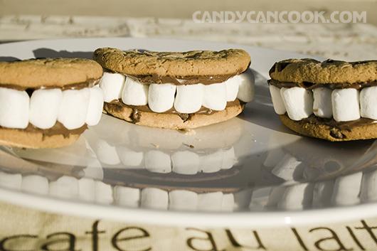 """""""Nụ cười tháng 10"""" - Halloween smiles"""