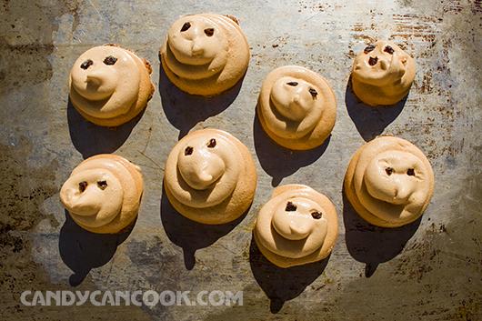 Bánh Meringue - Những chú voi con đang tắm nắng :D