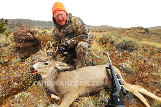 Nai tai lừa (Mule deer) - tình cờ ông bắn được khi đang săn nai sừng tấm (elk)