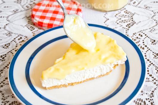 Ăn kèm lemon curd với bánh cheese cake