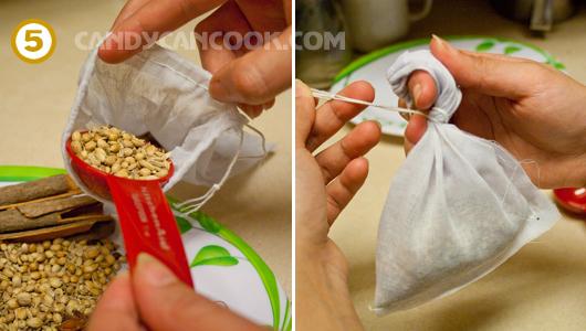 Đổ gia vị nấu phở vào túi và buộc chặt