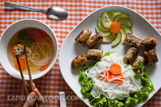 Bún nem (chả giò) ăn trong ngày Tết cũng thật thú vị
