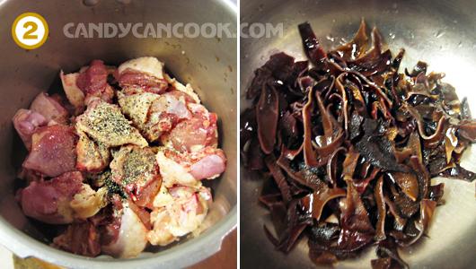 Ướp gà và cắt mộc nhĩ để riêng
