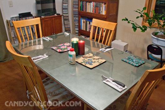 Khung cảnh bữa tối ấm áp tại nhà ông Tom