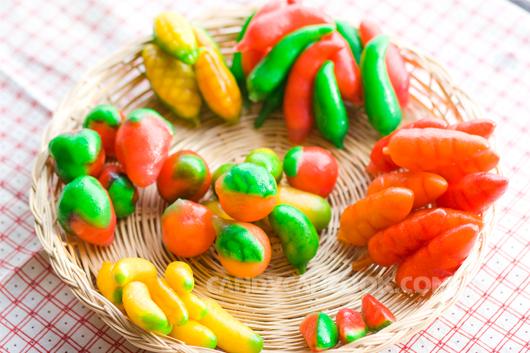 Bánh đậu xanh giả hoa quả (Khanoom Look Choup)