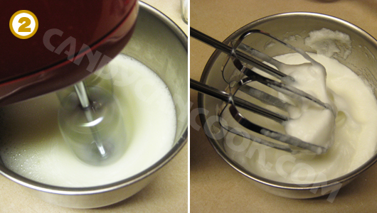 Đánh lòng trắng trứng cho thành kem bọt