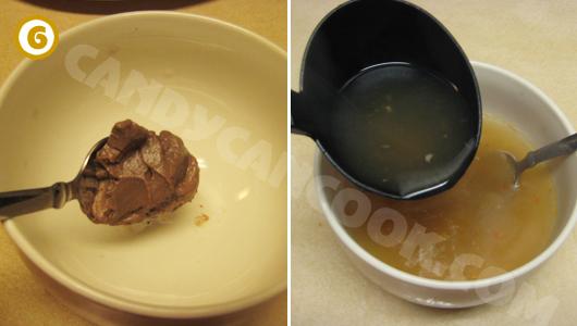 Lấy mắm ruốc/ mắm tôm pha với nước dùng nóng