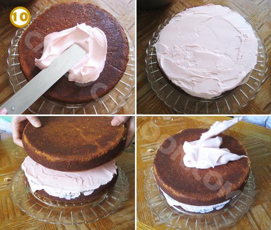 Quết kem ở lớp thứ nhất, rồi đặt lớp thứ hai và tiếp tục quết kem lên bề mặt bánh