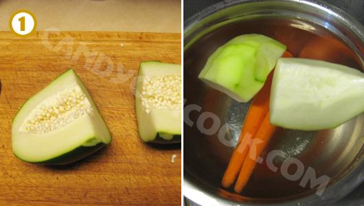 Gọt đu đủ cà rốt rồi ngâm vào nước lạnh