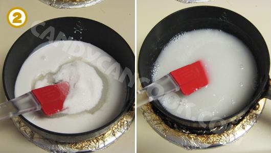 Nấu hỗn hợp nước cốt dừa với đường, muối