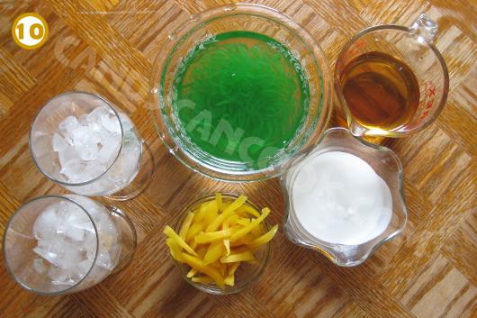 Chuẩn bị các nguyên liệu sẵn sàng cho món Lod Chong Singapore