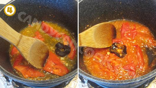 Xào cà chua với tai chua, dằm nát để tạo màu và vị chua cho canh