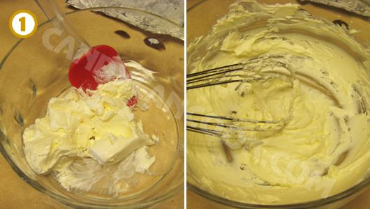 Để phô mai (cream cheese) về nhiệt độ phòng rồi đánh mịn
