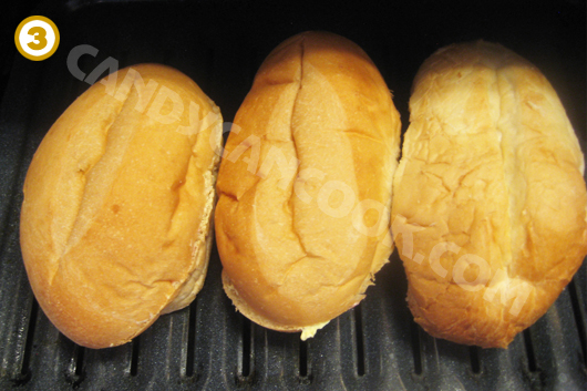 Xếp bánh vào lò nướng