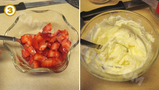 Chuẩn bị dâu tây, cream cheese để làm nhân cho crepe