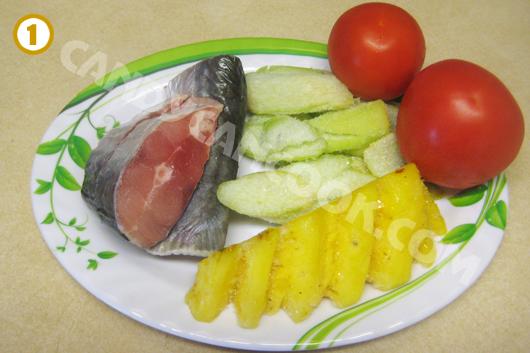 Chuẩn bị các nguyên liệu nấu canh chua cá