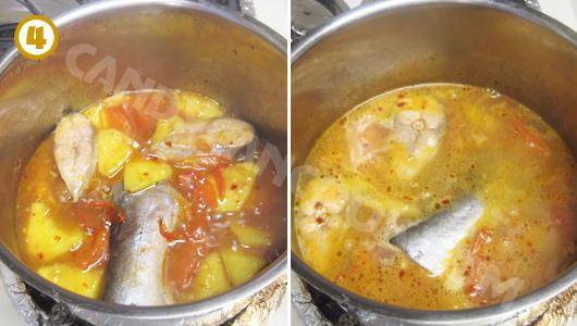Cho nước nóng (ấm) vào và tiếp tục đun liu riu