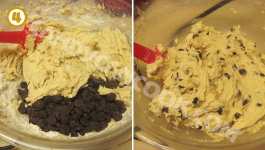Trộn chocolate chips vào