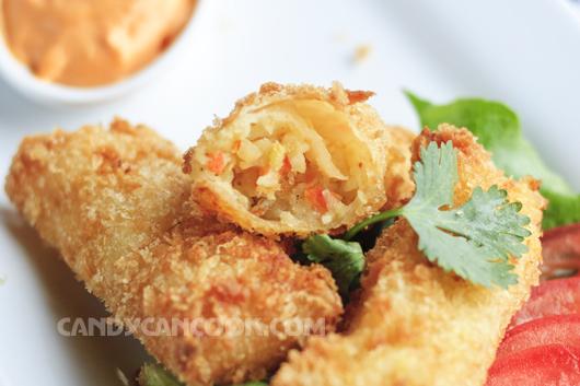 Hấp dẫn và nóng hổi nem hải sản sốt mayo