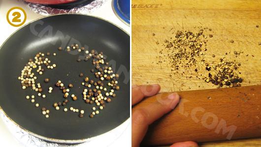 Rang hạt tiêu chín thơm và đập dập