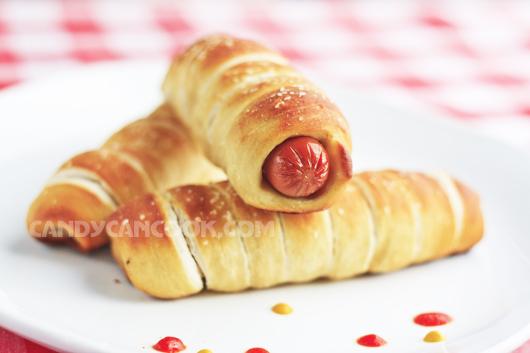 Hấp dẫn bánh mỳ xúc xích - Pretzel dogs