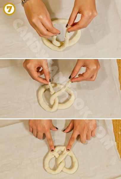 Cách tạo hình bánh pretzel