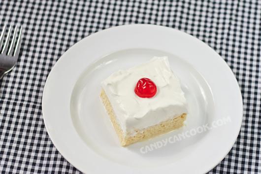 Tres Leches cake - mát lạnh và thơm béo
