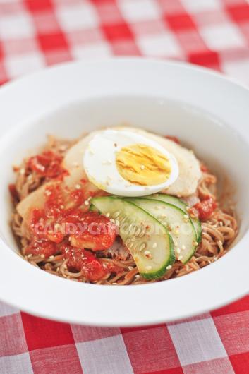 Mỳ lạnh Hàn Quốc (Cold noodles) - ăn tới đâu mát tới đó :)