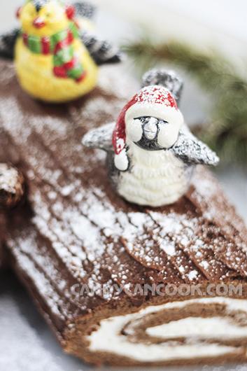 """Bánh cuộn mà nhìn như Khúc gỗ để """"đốt"""" cho một Noel ấm áp :X"""