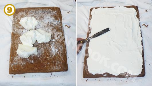 Trải kem tươi đều lên bề mặt bánh