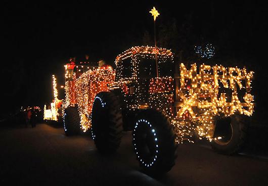 Lighting parade - Diễu hành chào đón Giáng sinh