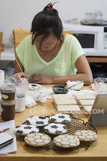 Cặm cụi vẽ bánh như học vẽ :D