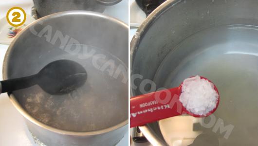 Đun nước muối rồi pha phèn vào để trần chanh