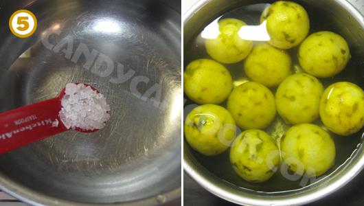 Ngâm chanh đã trần qua nước sôi vào nước phèn chua