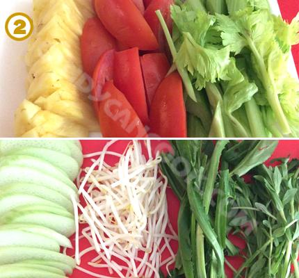 Chuẩn bị các nguyên liệu rau củ: rửa sạch và thái cắt