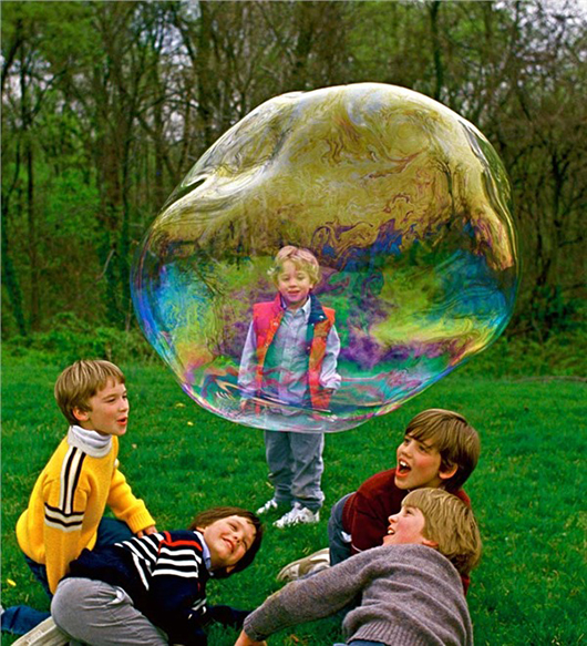 Bong bóng khổng lồ mang bao ước mơ của con trẻ