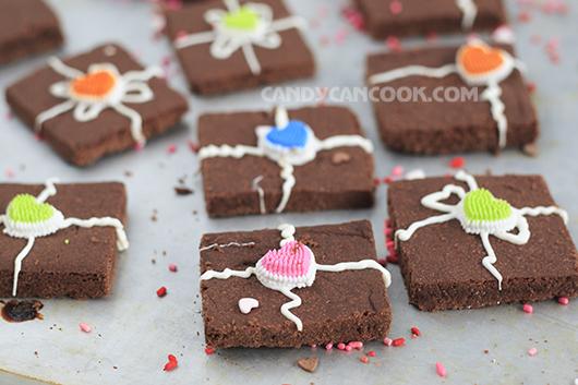 Chocolate shortbread nướng từ trong khay không cần cán bột quá đỗi đáng yêu