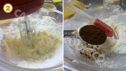 Đánh bơ cùng đường, vanilla và bột cafe