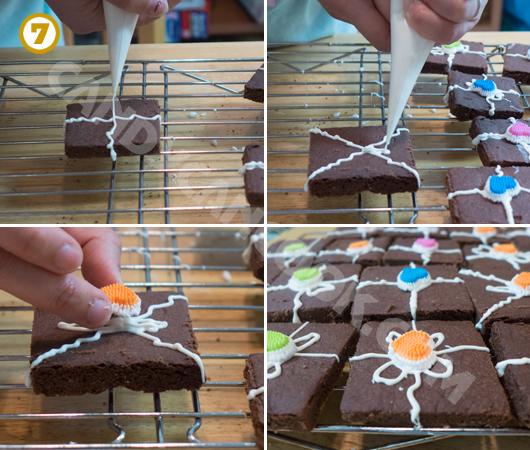 Vẽ trang trí bánh shortbread vị chocolate theo sở thích